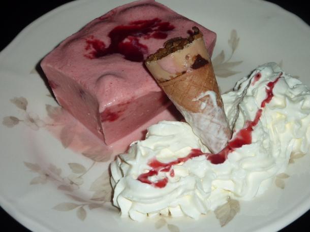 glace fraise avec morceaux 003